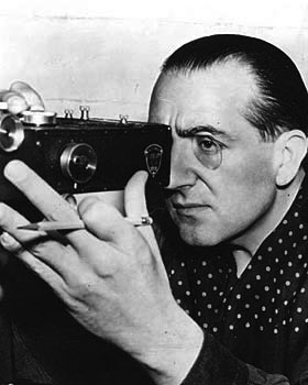 an analysis of cinematography in m by fritz lang A complete summary and analysis of the film metropolis by fritz lang.